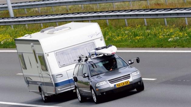 Recordaantal caravans en campers op de weg