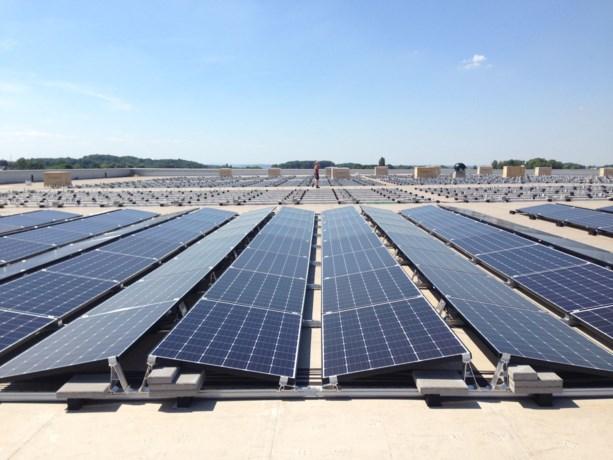 Zonnepanelen moeten Maastricht Airport energie neutraal maken