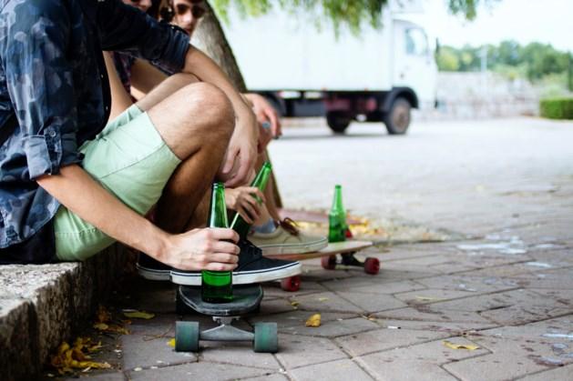 Jeugd betrapt met limonadeflesjes drank tijdens Vierdaagse