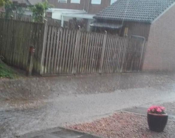 Lokale hevige plensbuien en onweer in Zuid-Limburg