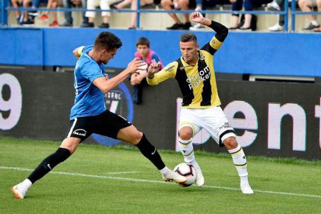 Aanvoerder Linssen schiet Vitesse naast FC Viitorul in Europa League-kwalificatie