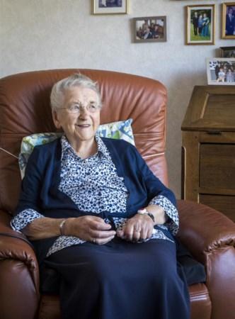 'Oma' van Well tikt de 104 aan