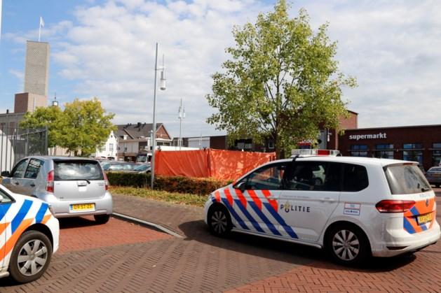 Dode aangetroffen in auto in Bergen