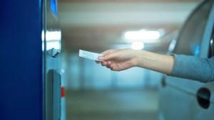 Driehonderd euro boete voor 'treintje rijden' bij parkeergarage