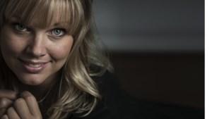 Zangeres Linda Zijlmans slachtoffer van id-fraude op Tinder