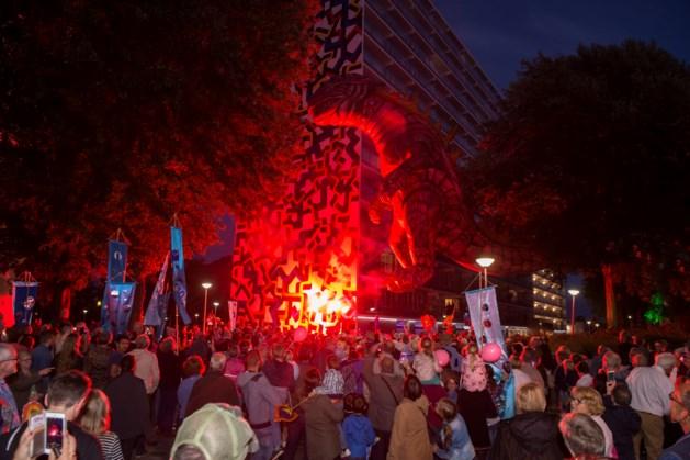 Heerlerbaan viert renovatie flats met lichtfeest
