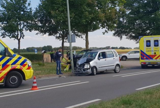 Kind gewond bij botsing tussen auto's in Maastricht
