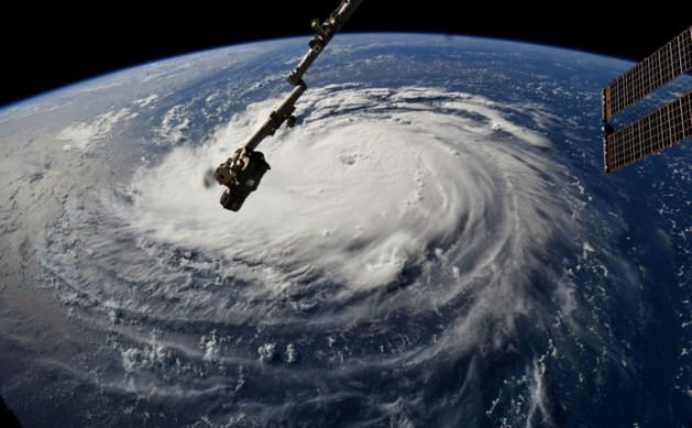 Levensbedreigende orkaan Florence legt zeldzame route af richting de VS