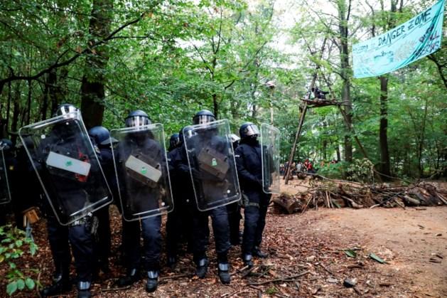 Laatste boomhut ontmanteld in Duits 'bruinkoolbos'
