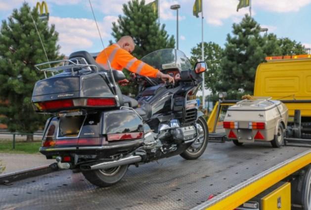 Motorrijder gewond na botsing met bestelbus