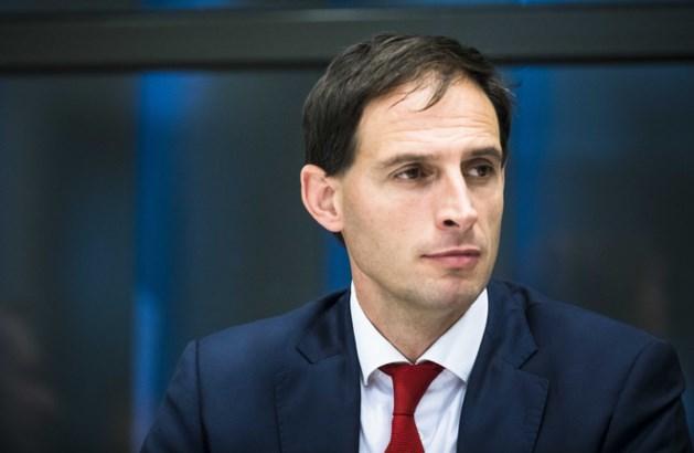 Minister: heroverwegen dividendtaks duurt even