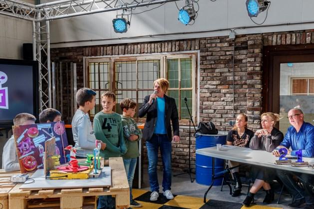 Kinderen bouwen attracties voor kermis in Weert