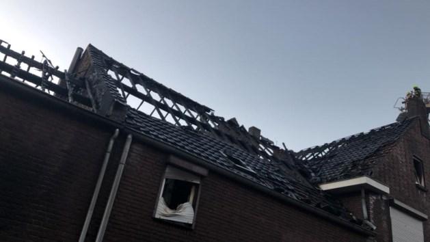 Na schuur ook brand op zolder bij hoekwoning in Stevensweert