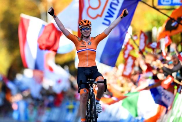 Magistrale Van der Breggen soleert naar eerste wereldtitel