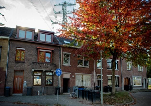 Heerlen koopt twee huizen onder hoogspanningsmast