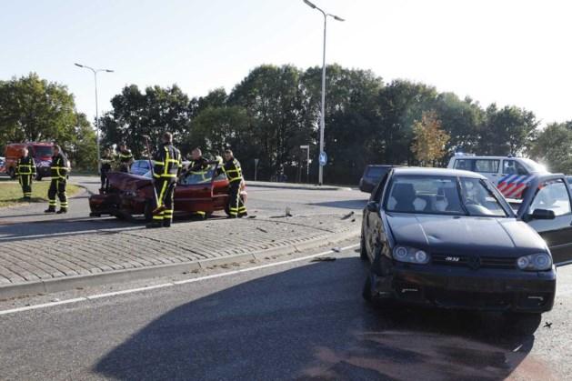 Auto's botsen op elkaar op N271