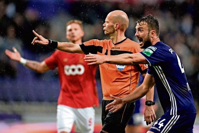 KV Mechelen in zwaar weer; toparbiters verdacht van corruptie