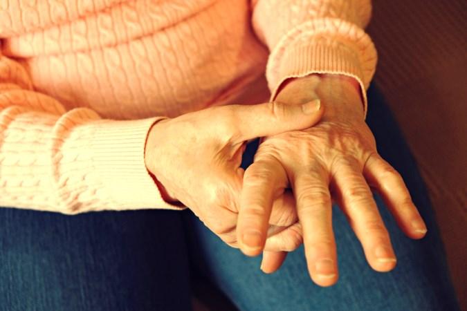 Nieuwe therapie helpt bij chronische pijn: 'Ik heb mijn vrijheid terug'