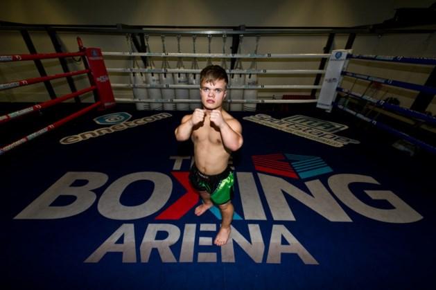 Kickboksen voor lilliputters: Wopke vecht tegen Bonky