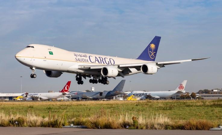 'Het vliegveld is wakker gekust uit de winterslaap, met groeiende klachten'