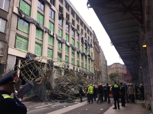 Eén dode en zwaargewonde door ingestorte steiger Antwerpen