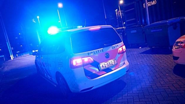 Groep jongeren valt politie aan in Veldhoven