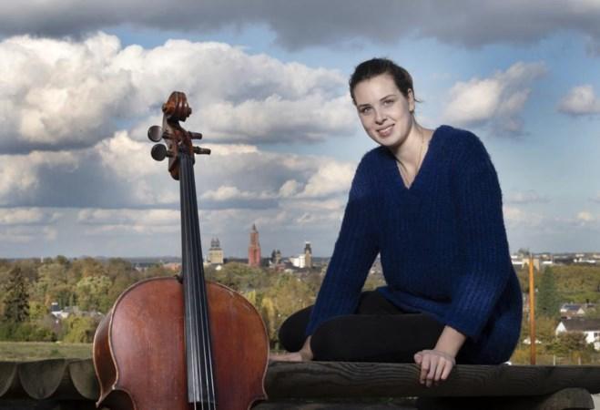 De cello van Eline gaat zelfs mee op vakantie