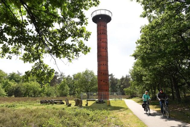 Toren van Overloon gaat plat