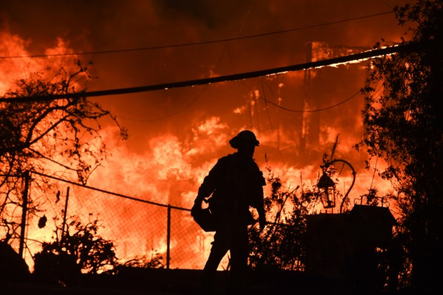 Lady Gaga, Kylie Jenner en Cher vrezen voor hun villa's door bosbranden