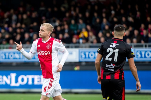 Ajax brengt Excelsior grootste thuisnederlaag ooit toe