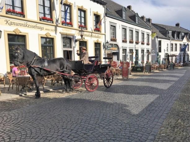 Harrie Kessels siert straatbeeld met rijtuigen en praalkoetsen