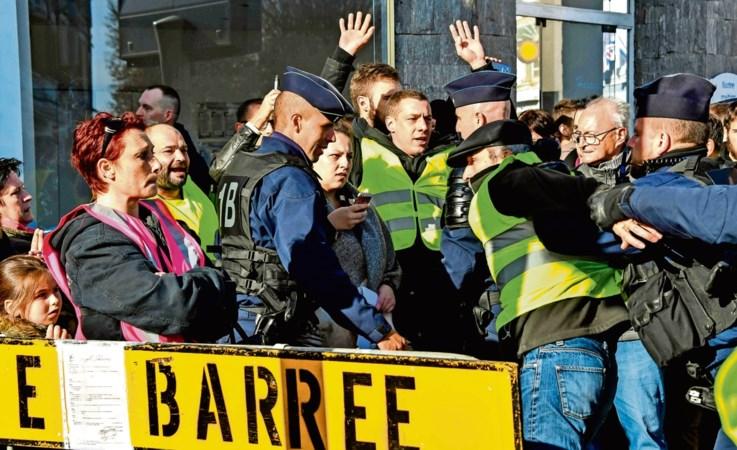 Opstand om hoge benzineprijs: zwarte zaterdag in Frankrijk