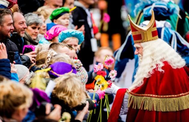 Sinterklaas verwelkomd door demonstranten