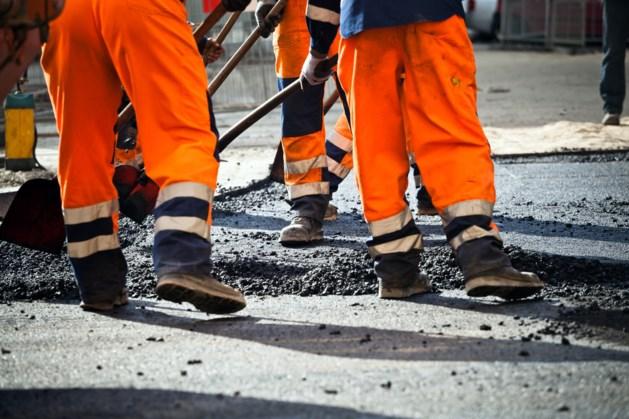 Tientallen Limburgse infraprojecten op losse schroeven