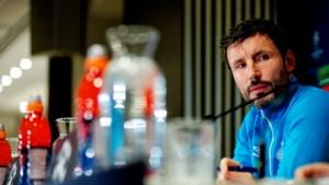 Wie moet Van Bommel opvolgen als trainer van PSV?