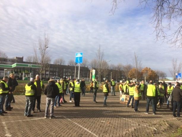 Politie houdt Gele Hesjes tegen bij drukke weg in Maastricht