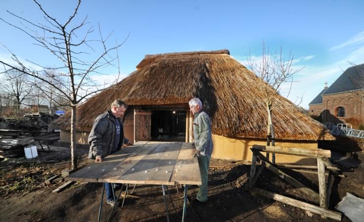 De Locht heeft boerderij uit 1320 bijna af