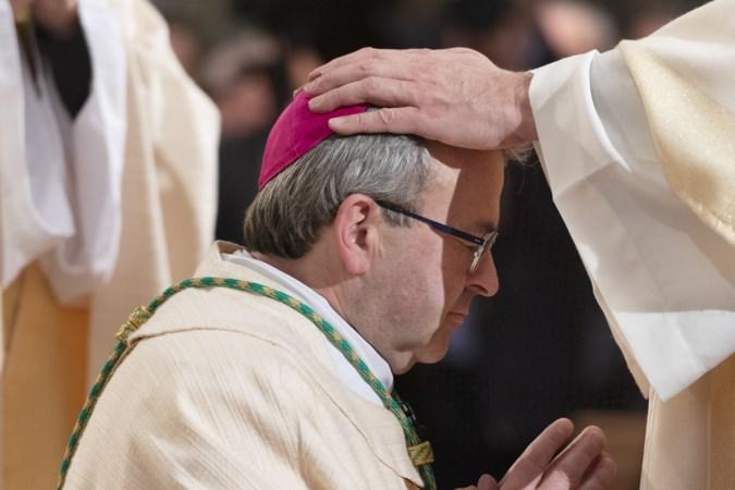 Bisschop Smeets en de echo van zijn moeder: 'goed bidden en gedraag je'