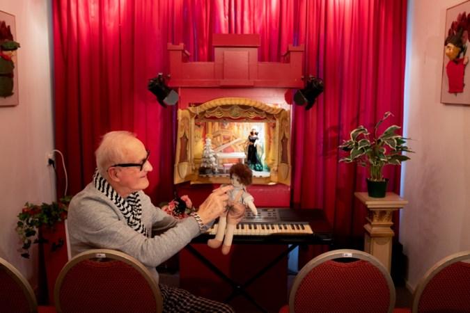 Heerlenaar John Fonteijn (78) opent klein theater naast het grote theater