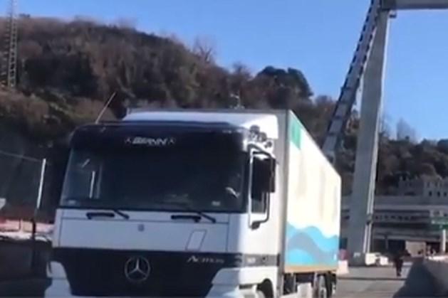Laatste truck van ingestort viaduct Genua