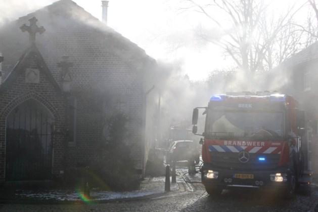 Brand onder dak van woning in Elsloo
