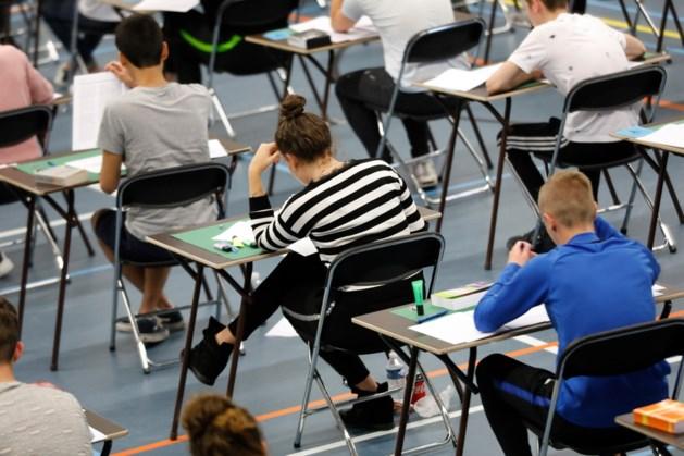 VO-raad: 'Toezicht op schoolexamens ondergesneeuwd'