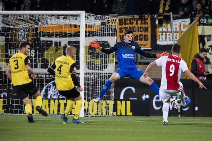 Complimenten van Van der Sar voor 18-jarige Roda-doelman