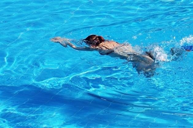 Wethouder Jongen opent 33e Swimmeet in Maastricht