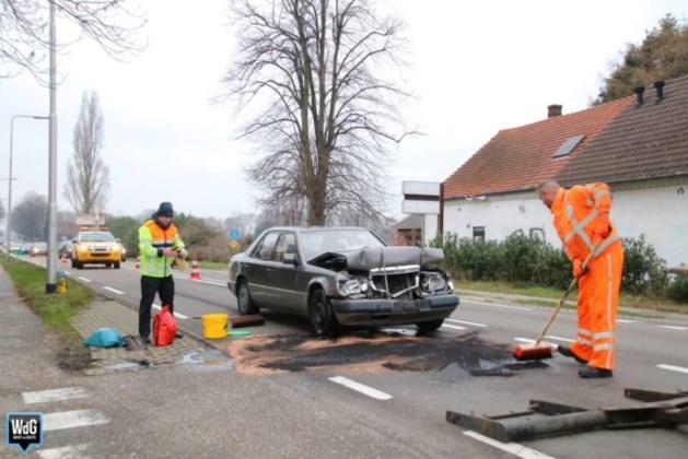 Botsing met drie auto's: flinke schade