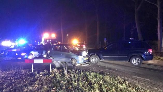 Auto's botsen in Beesel: een persoon gewond
