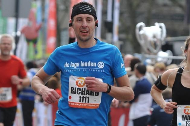 Uitkijken voor overstekend wild bij de Big Five Marathon