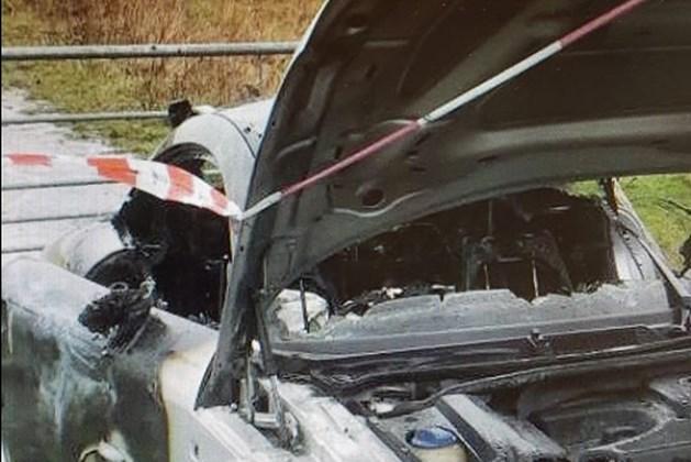 Autodieven steken kostbare Audi in brand