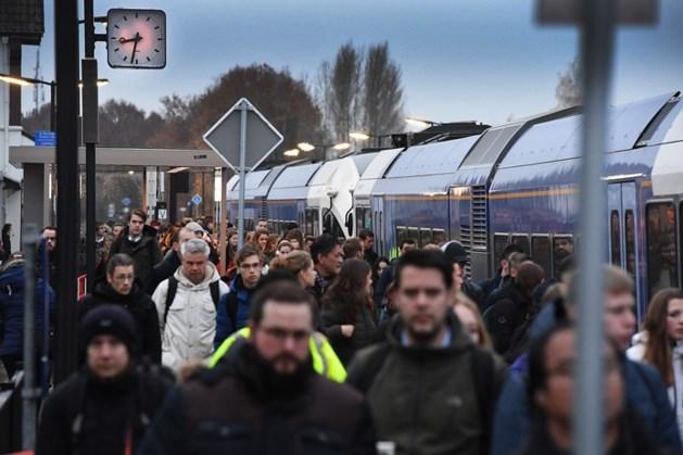 'Den Haag moet ingrijpen bij conflict over Maaslijn'