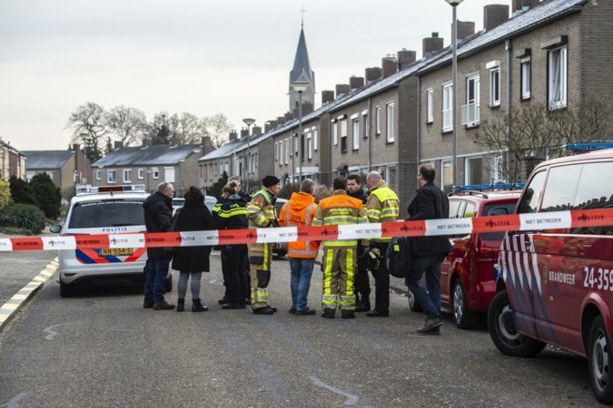 Stille dorpsweg is plots de 'granaatstraat' van Holtum